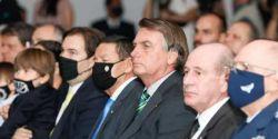 Bolsonaro participa de workshop sobre caça Gripen ao lado de ministros e de Maia